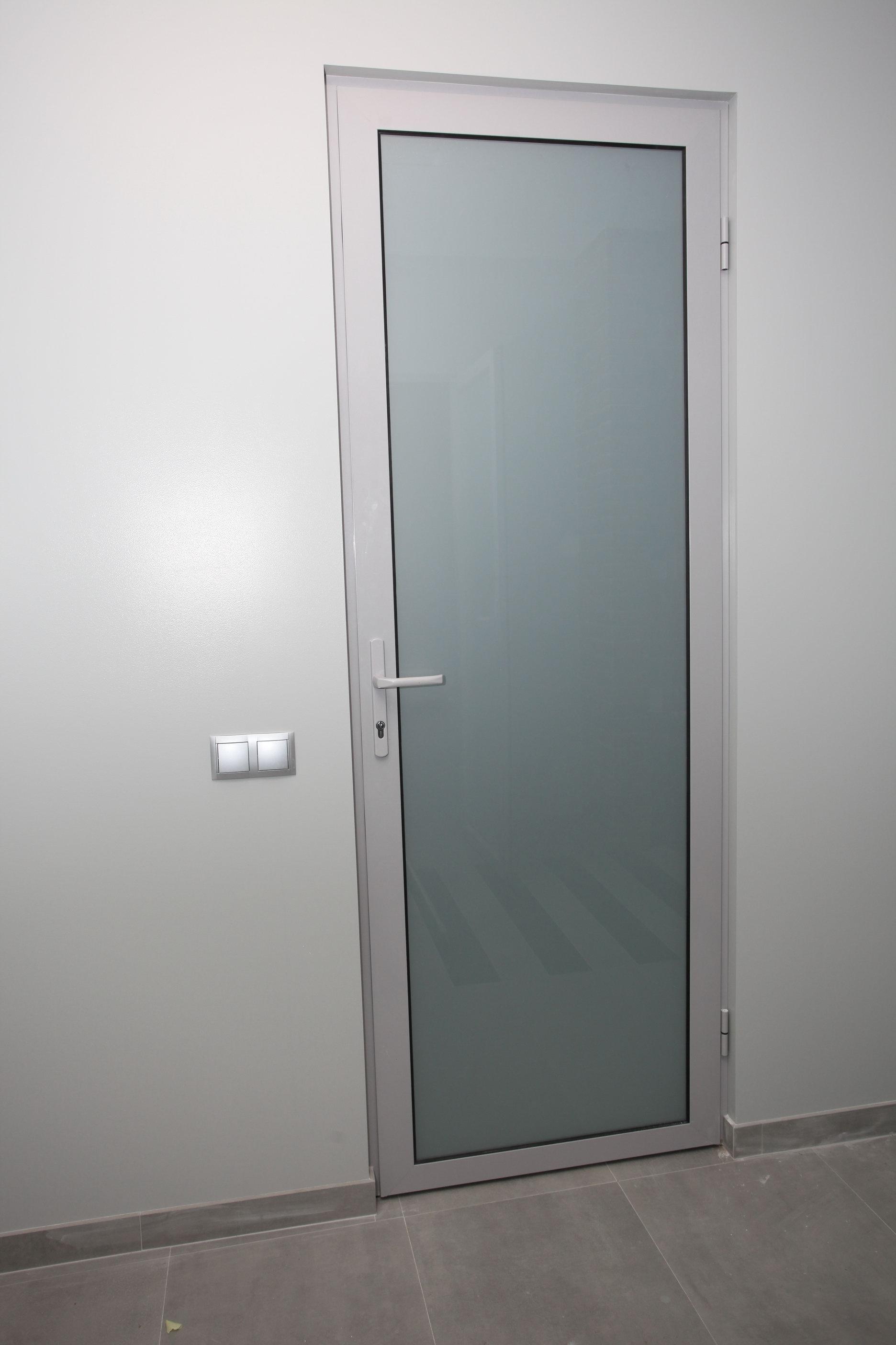 время входная пластиковая дверь с матовым стеклом фото знаю, кто