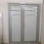 алюминиевая дверь со стеклом в офис