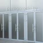 офисные алюминиевые распашные двери