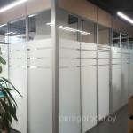 офисная перегородка из цельзакаленного стекла