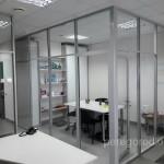 прозрачная перегородка из цельзакаленного стекла